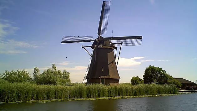 Dutch-windmills-are-iconic.jpg