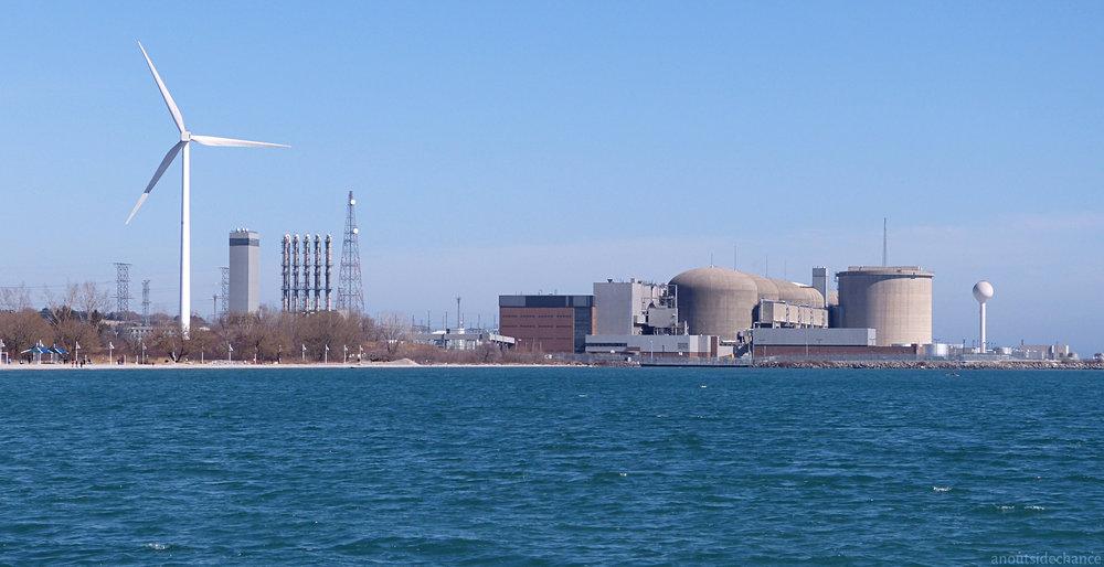 P1130672-Pickering-Nuclear-Wind-Turbine.jpg