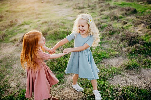 GUESS WHAT!? I had SO much fun photographing these little besties I'm offering a new kind of session for all of you with baby besties🤗 this month and next month you can book a session for your babe and their bestie(s). There can be up to 6 little besties! $150 for each child. You'll get 30 minutes of shooting for two kids and 1 hour of shooting for 3-6 kids! Email me to book😊 Sessions will take place in ORANGE COUNTY, CORONA, OR TEMECULA. • • • • • • • #bestfriends #candidchildhood #pixel_kids #kidsofig #lookslikefilm #lookslikefilmkids #childrensphotographer