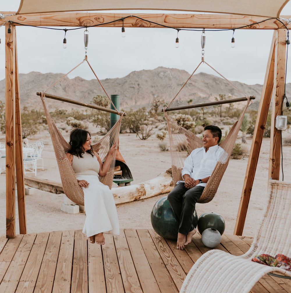joshuatreeairstreamcouplessessioncarrierogersphotography-8.jpg