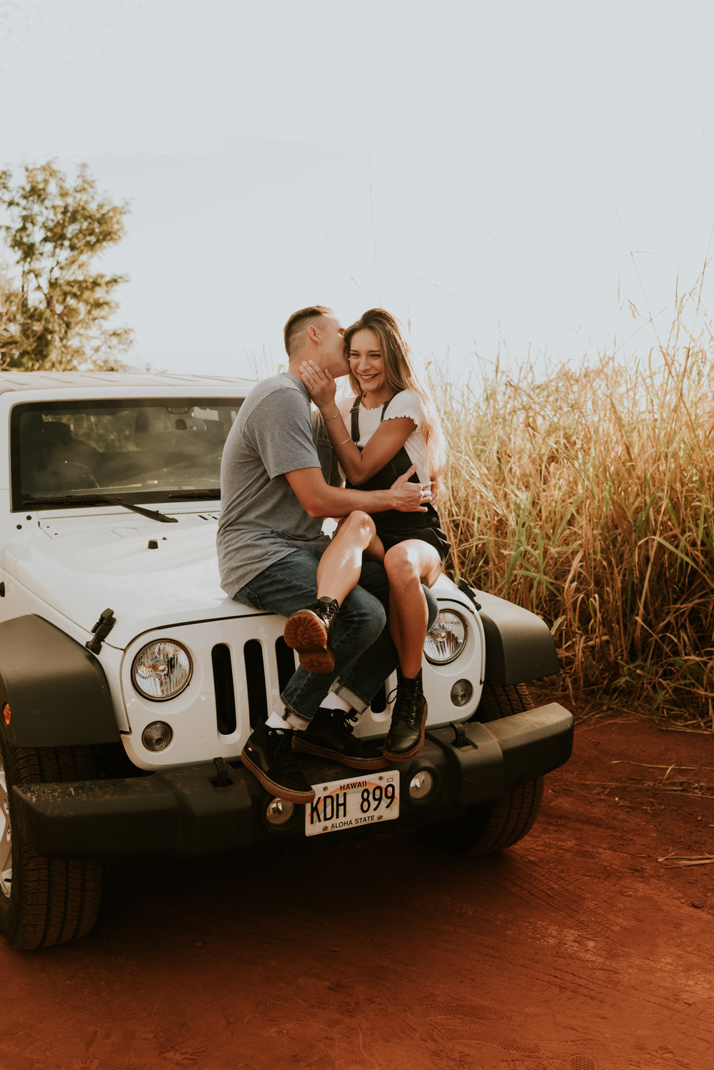 kauai-hawaii-adventure-couples-engagement