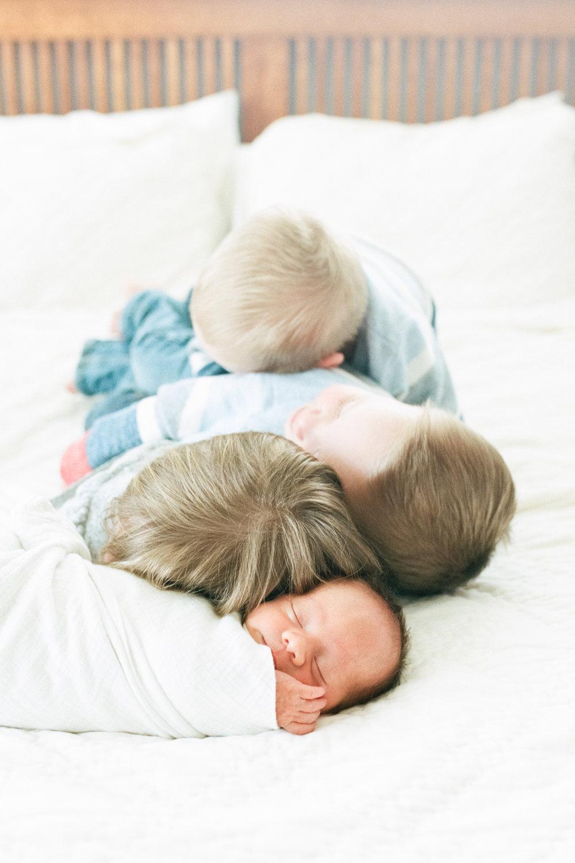 Amy-Berge-In-Home-Lifestyle-Photography-Newborn-Edina.jpg