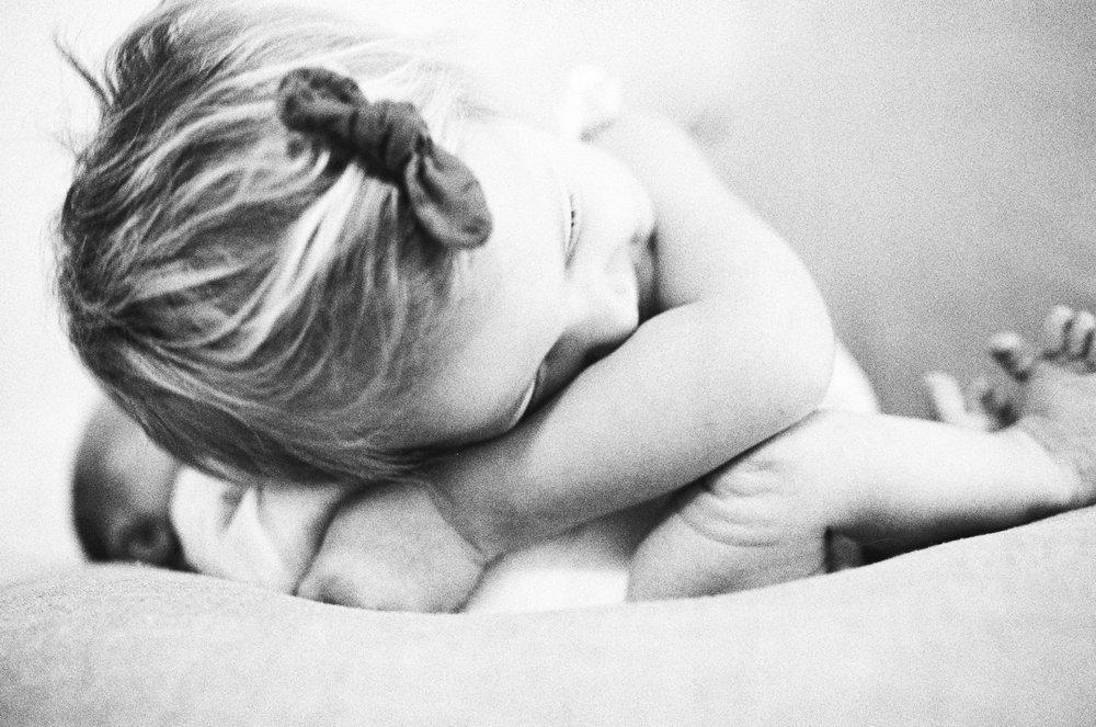 In-Home-Minneapolis-Baby-Newborn-Twin-Cities-Photographers-Unposed.jpg