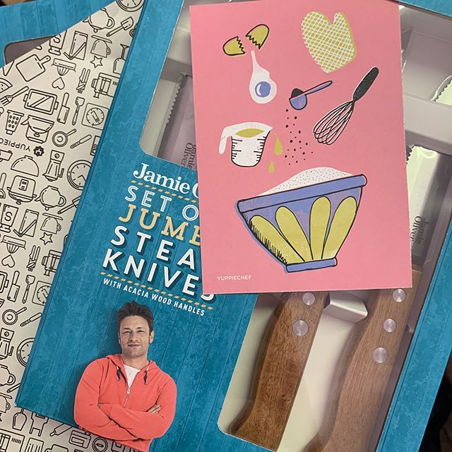 It's been a @yuppiechef kind of day! Too excited to use these and always just love the hand written post card. . . . . #ineedallthemagnets #yuppiechef #jamieoliver #itsthelittlethings #handwrittennotes #steakknives #happinessinabox #momsfav #momlife #kitchenspoils #steaklover
