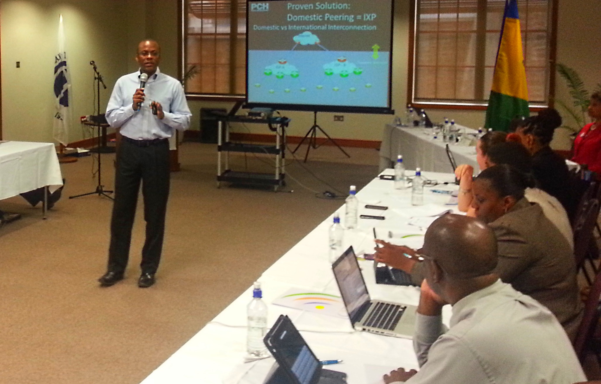 CAPTION: Bevil Wooding, Internet Strategist with Packet Clearing House, facilitates the Caribbean Telecommunications Union CARCIP workshop in St Vincent and the Grenadines.