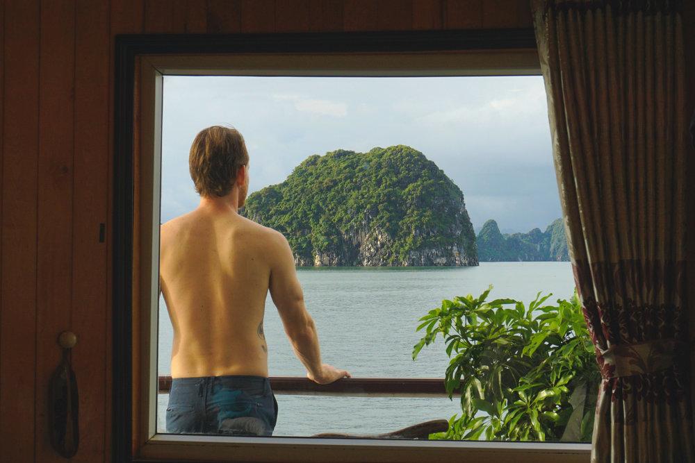 Cruising Ha Long Bay - Cabin