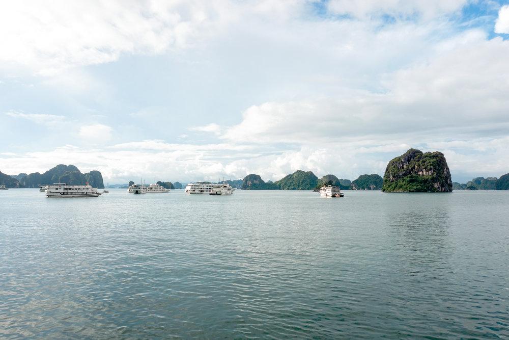 Cruising through Ha Long Bay