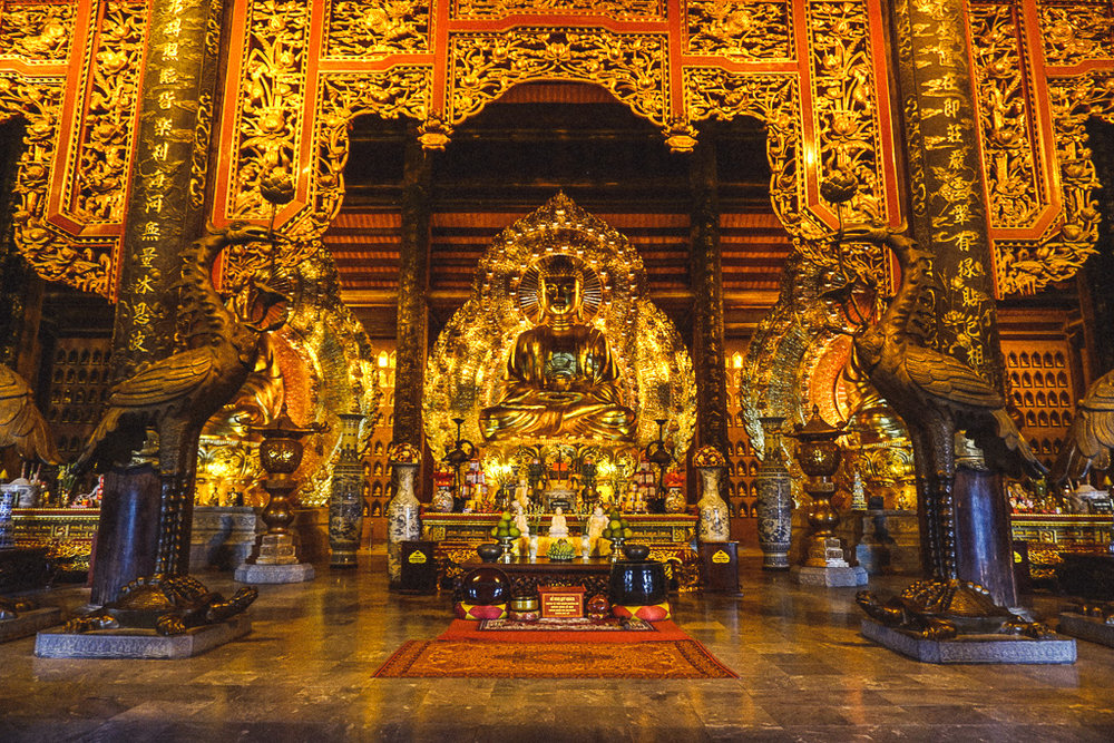 The Bai Dinh temple complex had many different shapes and sizes of Buddha statues.