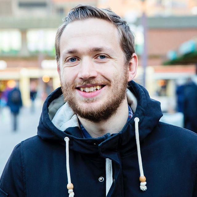 Jens er en av de som har lest boka. Han ble inspirert til at vi kan være samfunnsforandrere 💪🏻 Hva ble du inspirert til når du leste boka? 📖