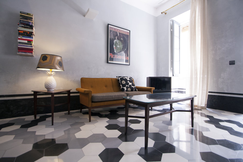 VV.lounge.jpg