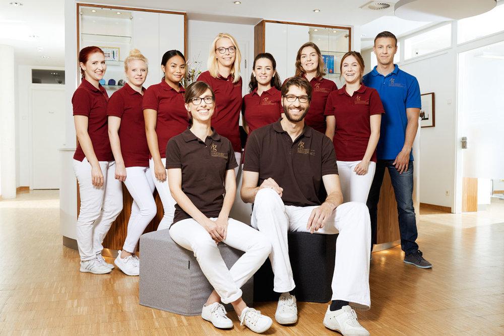 Team_Orthopaediepraxis_Dr_Guelden.jpg