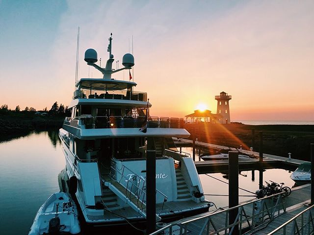 📍Fox Harb'r Resort, Nova Scotia . . . . . #yacht #motoryacht #yachting #boat #boating #boatlife #yachtlife #charter #charterboat #charteryacht #westport #luxury #awesome #amazing #travel #vacation #sunset #view #nature #beautiful #scenic #ocean #clouds #sky #canada #lighthouse