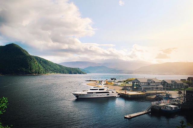 📍Norris Point, Newfoundland . . . . . #motoryacht #yacht #yachting #boat #boatlife #yachtlife #charter #charteryacht #charterboat #drone #dronephotography #djimavicpro #sunset #canada #newfoundland #view #beautiful #awesome #amazing #westport #farniente