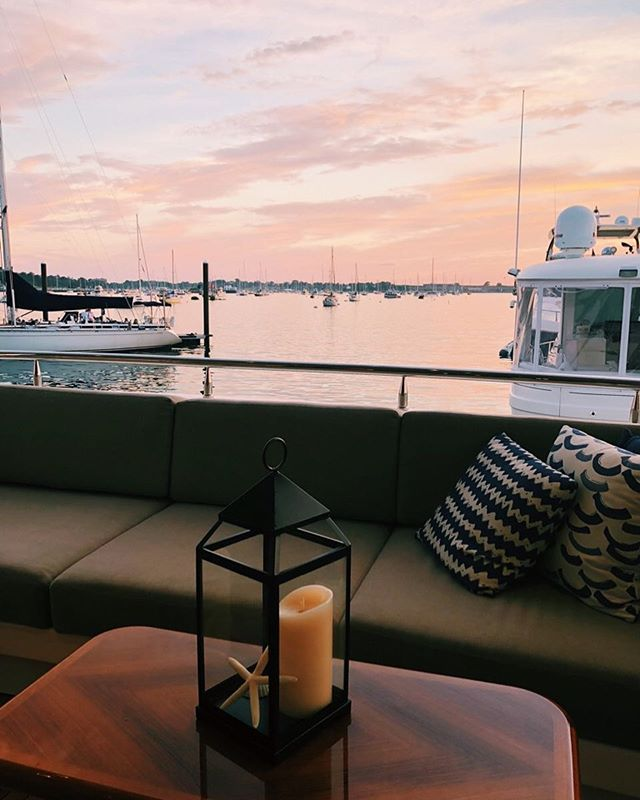 Sunset views 📍Newport, Rhode Island . . . . . #yacht #motoryacht #yachting #boat #boating #boatlife #yachtlife #charter #charterboat #charteryacht #westport #luxury #awesome #amazing #travel #vacation #sunset #view #nature #beautiful #scenic #ocean #clouds #sky