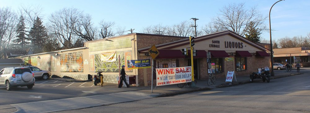 South Lyndale Liquors - just minutes from Tangletown Bike Shop