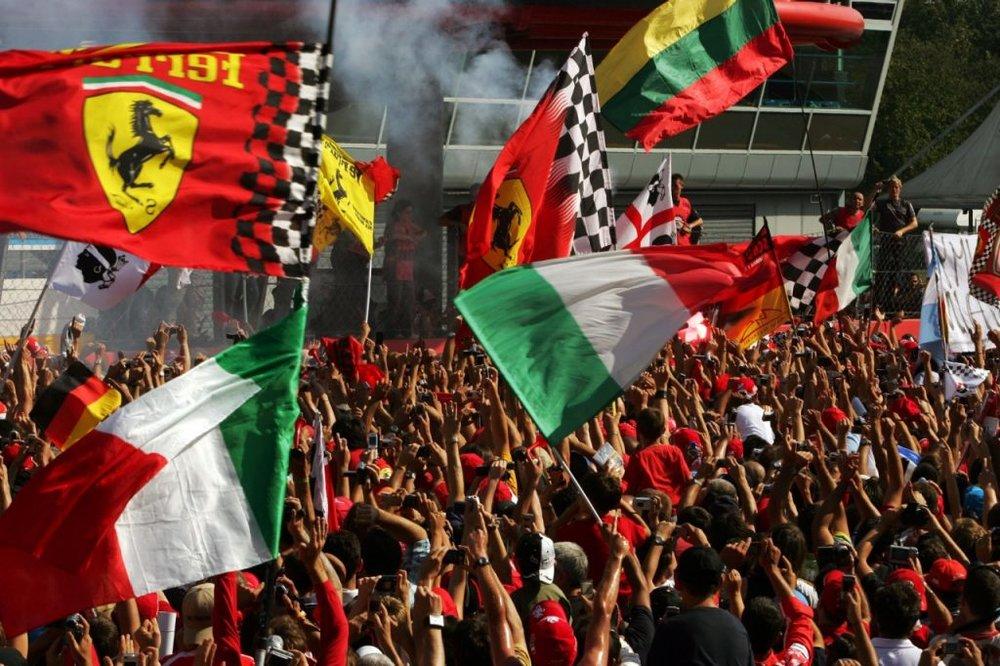 Passionate tifosi courtesy of formula1