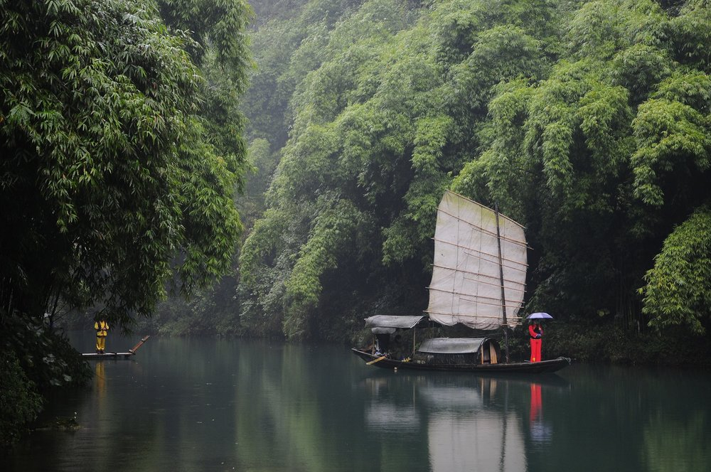 - Cruise the longest river in Asia