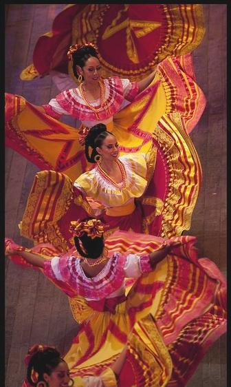 998ff279df4543ea0ca7de78a16a0982--mexican-fiesta-mexican-art.jpg