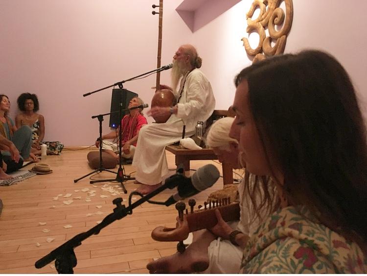 Chanting with Bhagavan Das