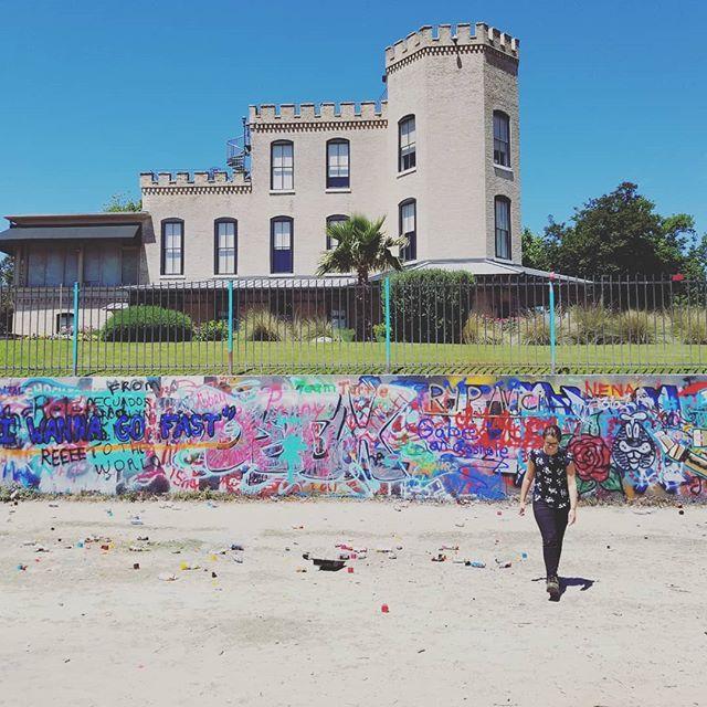 #castle #sister #trashscape