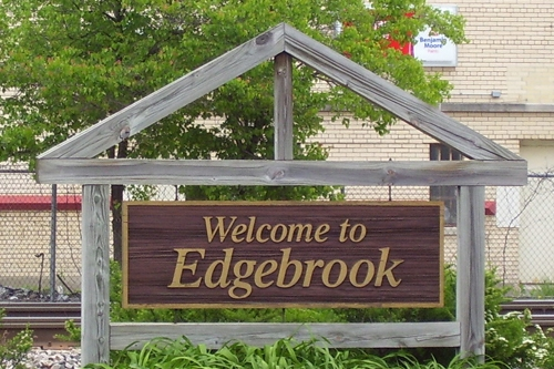 "Edgebrook - To describe a Chicago neighborhood as ""suburban"" is a familiar tune, but few neighborhoods can claim to be mistaken for a suburb as often as Edgebrook. Located on the far northwest reaches of the city, Edgebook is encompassed by the lush vegetation of the golf courses, parks and forest preserves that surround it."
