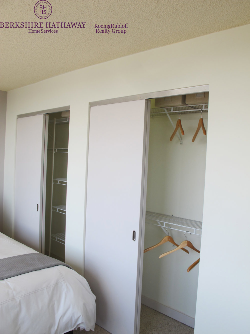 Closet - 2.jpg
