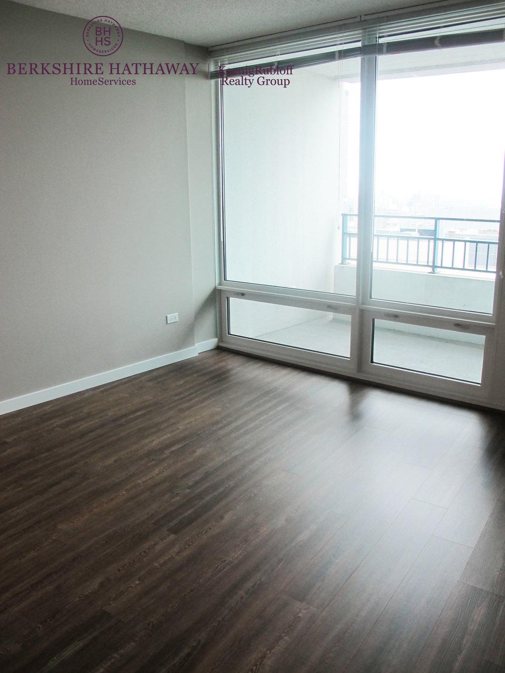 Vacant Bedroom.jpg