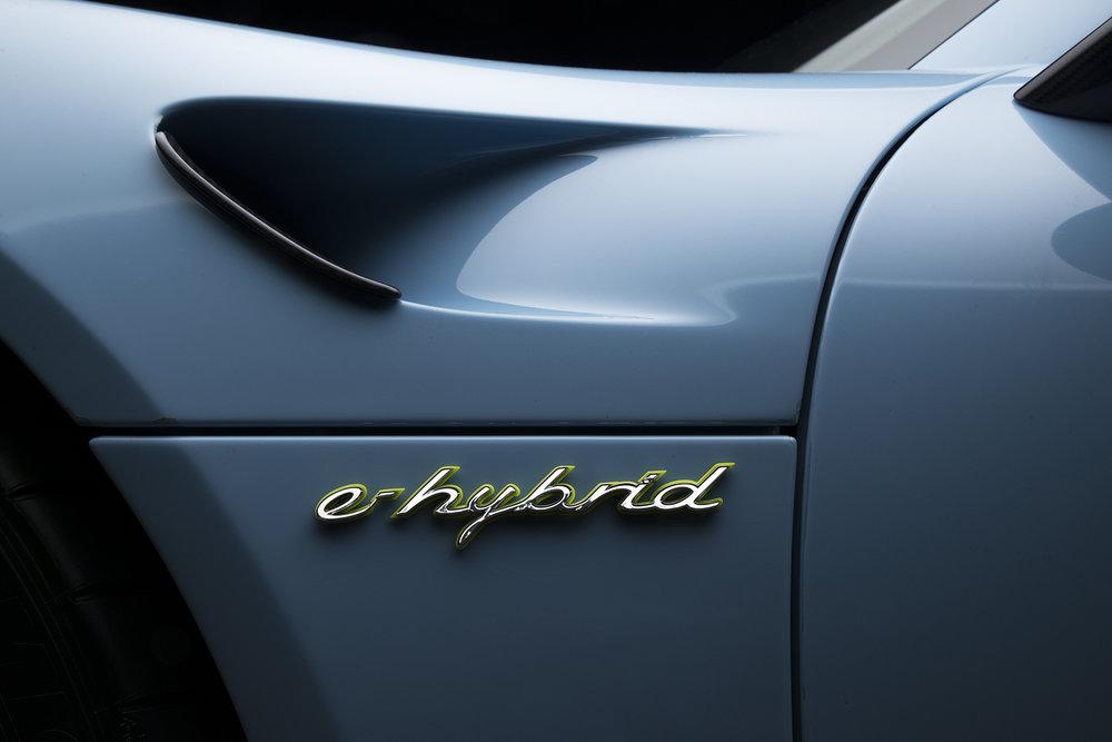 918PoescheE-Hybrid.jpg