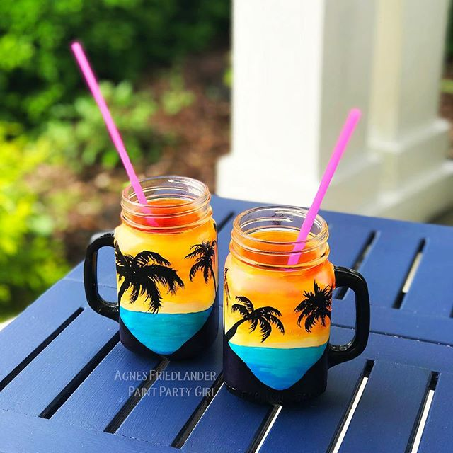 What's your favorite summer drink? New free tutorial at agnesfriedlander.com #paintedmasonjars #glasspainting #sunsetglasses #classesformyglasses #freetutorial