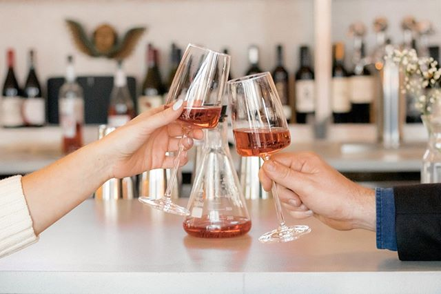 Here at Anatomy, you can get half bottles of any wine that we offer!  Perfect for a date night drink ❤️⠀⠀⠀⠀⠀⠀⠀⠀⠀ ✦ Open TODAY {4PM-10PM} ✦⠀⠀⠀⠀⠀⠀⠀⠀⠀ 📷: @lalamandri⠀⠀⠀⠀⠀⠀⠀⠀⠀ .⠀⠀⠀⠀⠀⠀⠀⠀⠀ #wine #winetasting #winery #wineclub #winebar #drink #drank #food #spring #anatomywineclub #weekendvibes #okc #oklahoma #plazadistrict #cocktails #friends #besties #girlfriends #wineblog #foodblog #vino #wino #wineconnoisseur