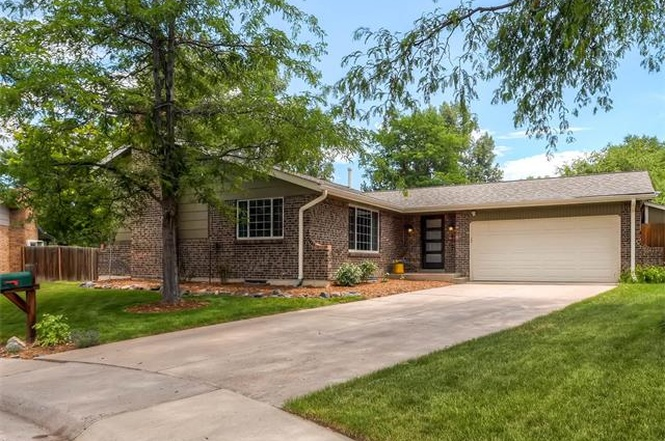 4097 E. Maplewood - $465,0002,407 sqft3 beds, 2.5 bathsBackyard Includes Built-in SlideKitchen Remodel of Your DreamsNot Awkward Split Level LayoutHappy CoupleHappier Dogs