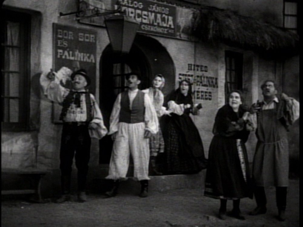 Dracula 1931 (peasants left behind).jpg