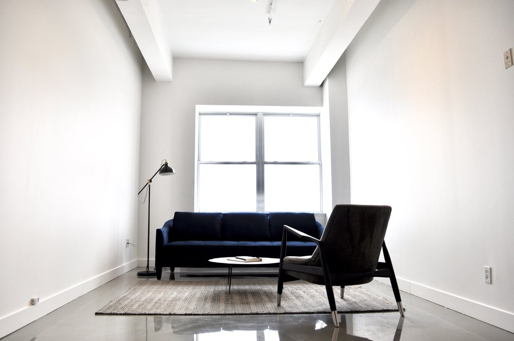Lofts Du Parc - Experience the urban pace in an environment enriched by all the cultures Montreal has encompassed. The home to beautiful street art, cafes, nightlife, boutiques, and restaurants.