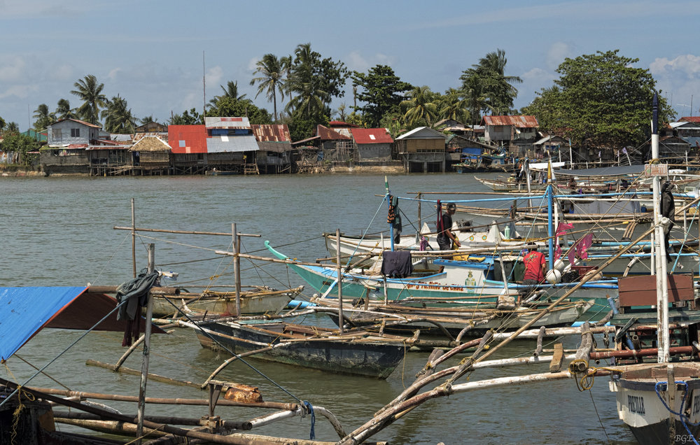Small fishing community in Cadiz City, Philippines. Credit  Brian Evans/Flickr  (CC BY-ND 2.0)