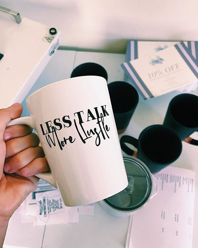Less Talk, More Hustle ☕️ Trying to make it through this week with a lot of coffee and a #bossbabe attitude 💋 • • • • • • • • • #savagesips #savageco #glitter #glittermug #coffeelover #coffee #coffeemug #lesstalk #morehustle #hustlehard #custom #shopsmall #smallbusiness #hanfmade #etsy #sale
