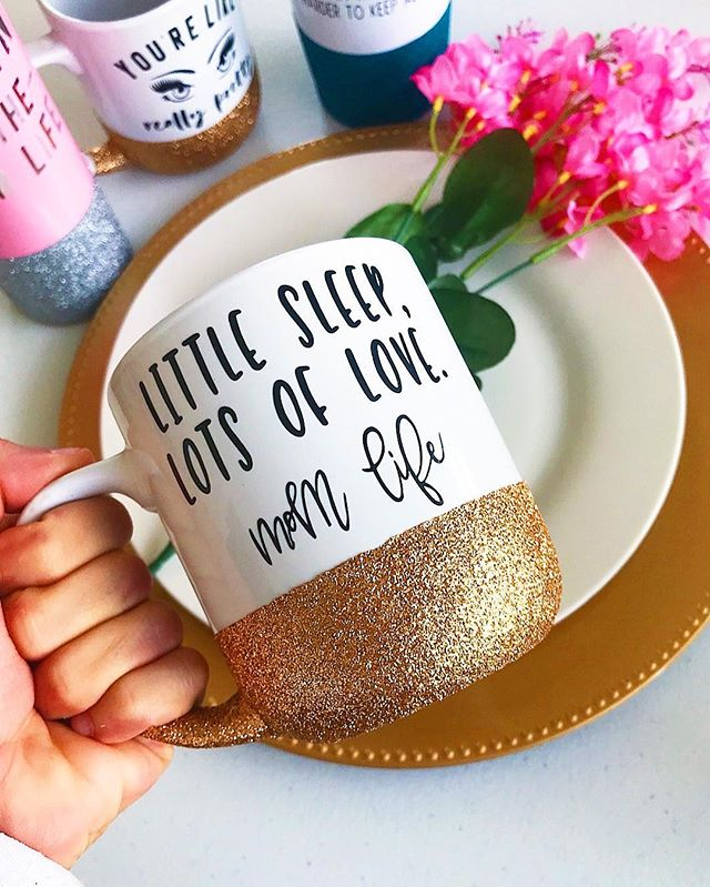 Little Sleep, Lots Of Love 💗  Mom Life or Boss Babe Life • • • • • • • • • • #savagesips #savageco #custom #handmade #glitter #glitterdipped #coffee #wednesday #coffeelover #littlesleep #lotsoflove #momlife #bosslife #bossbabe #cute #etsy #glittermug