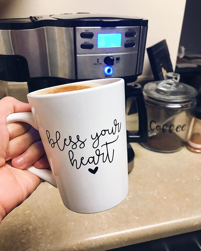 Overcast Sunday mornings 🙌🏼 It has been a relaxing weekend of doing nothing and I love it 🖤 • • • • • • • • #blessyourheart #savagesips #savageco #coffee #coffeelover #sunday #sundayvibes #weekendvibes #glitter #glitterdipped #coffeemug #custommug