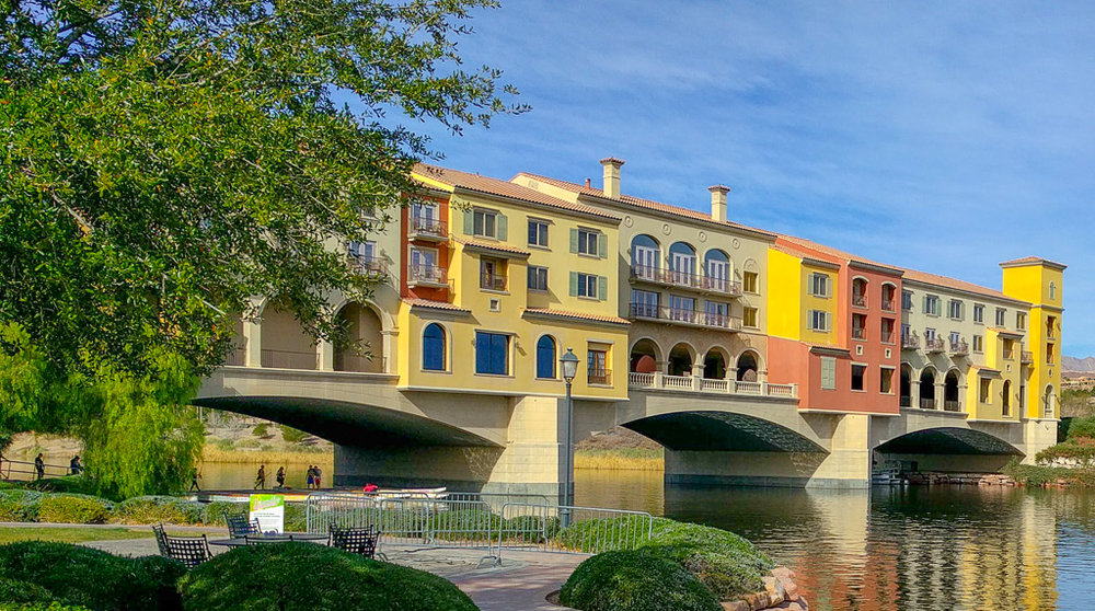Make sure to request a room on the bridge at the Hilton Lake Las Vegas Resort and Spa.