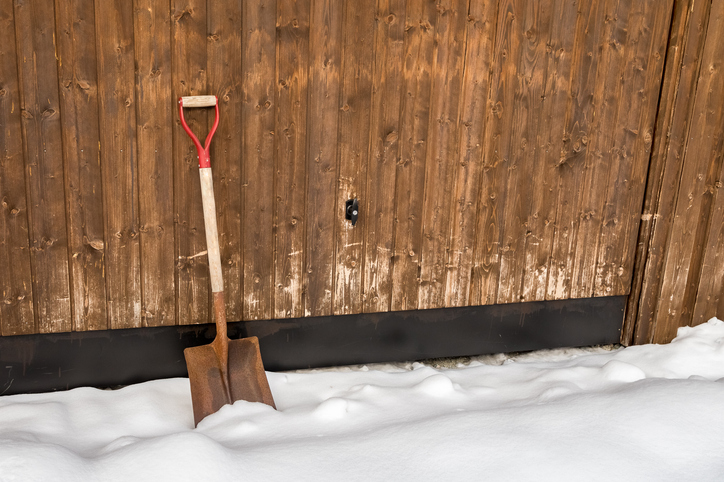 Snow and ice shovel winter , do it yourself - DIY