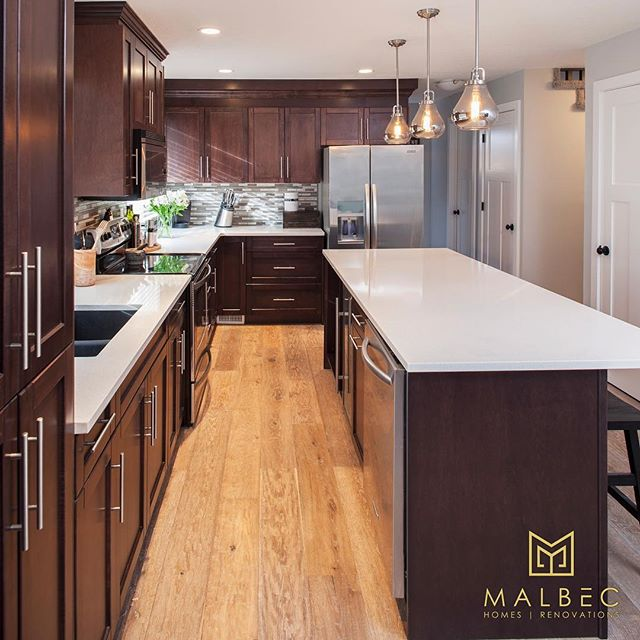 Not every home has the perfect floor plan. At Malbec Homes, we work with our clients to come up with creative designs and plans that help to maximize the space in their homes and give them functional and stunning rooms that stand the test of time. If you're looking to renovate your home but don't know where to start, call us at 403-999-1900 and book a free consultation today. #malbechomes #creatingstunningspaces #calgaryluxuryhomes #yycliving #customrenovations #newkitchen #kitchenrenovation
