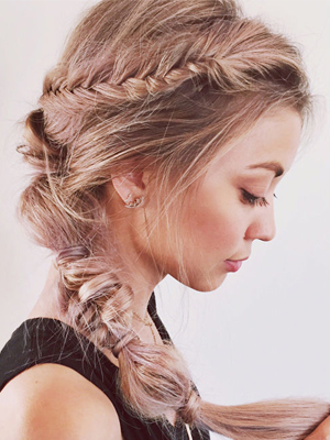 Weeked-Reading-6-20-The-Beauty-Department-DIY-Rose-Pink-Hair.jpg