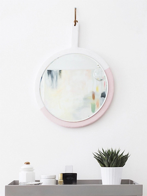 Weeked-Reading-Vol-4-Sugar-and-Cloth-DIY-Hanging-Mirror.jpg