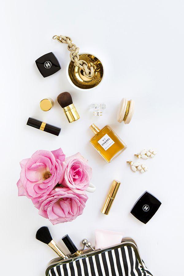 FWSBEAUTYCHALLENGE-Inspiration-July-Week-1-Beauty-Bag-Favorites-Striped.jpg