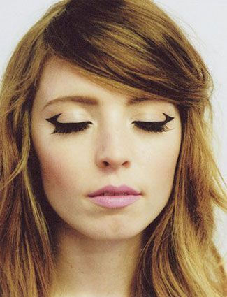 FWSBEAUTYCHALLENGE-Inspiration-July-Week-3-Go-Bold-Winged-Eyeliner.jpg