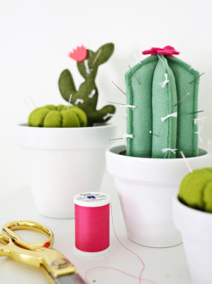 Weekend-Reading-7-A-Beautiful-Mess-Cactus-Pincushion-e1437330521835.png