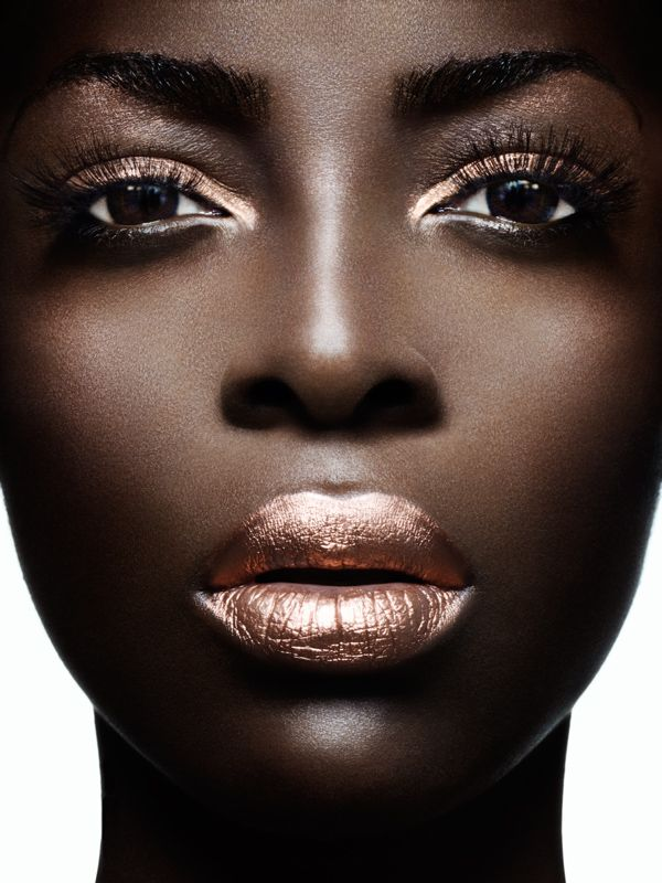 FWSBeautyChallenge-Inspiration-Week4-High-Shine-Metallics-Lips.jpg