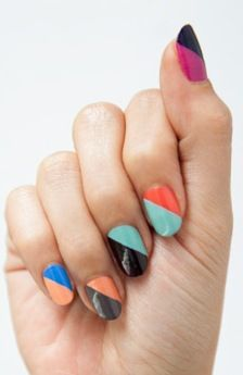 FWSBeautyChallenge-Inspiration-Week4-Graphic-Mani-Color-Block.jpg