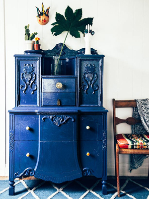 Weeked-Reading-Vol-9-The-Jungalow-Painted-Dresser.jpg