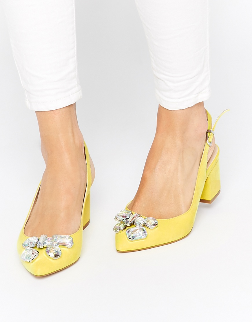 Friday-Five-Scream-Queens-Style-Pastel-Shoes.jpg