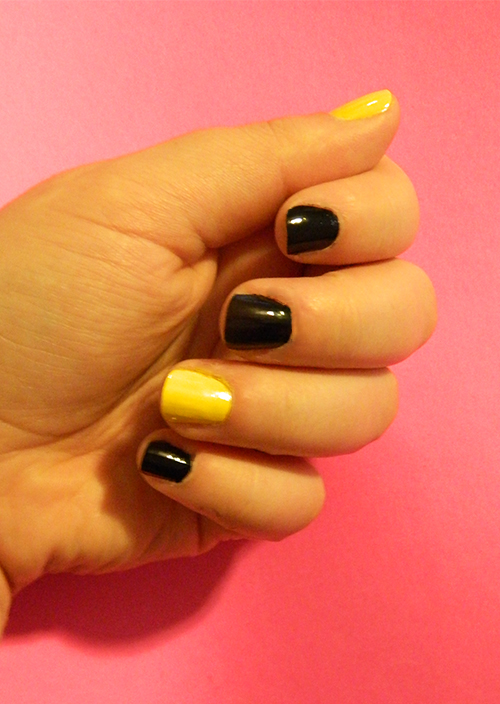 DIY-Monthly-Mani-Graphic-Pineapple-Base-Colors